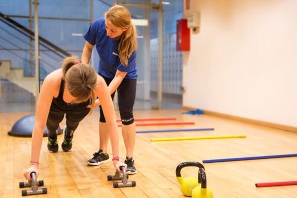Entrenamiento personal, sesiones en gimnasio