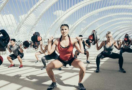 Grupo de personas practicando Body Pump