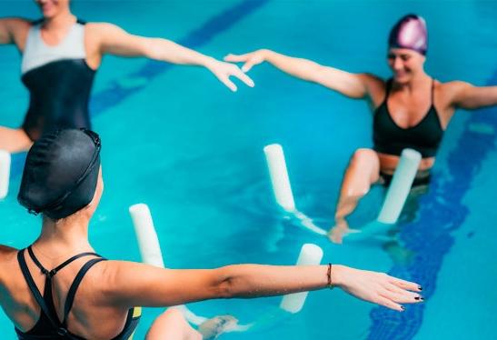 los beneficios de hacer ejercicio en el agua con aiguajoc