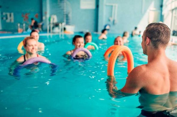 ejercicios en piscina con aquactiva't en aiguajoc