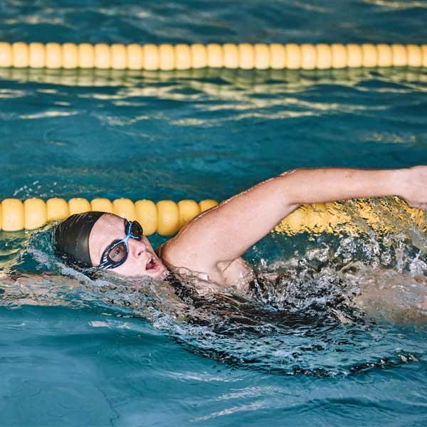 técnicas para aprender a nadar bien con aiguajoc