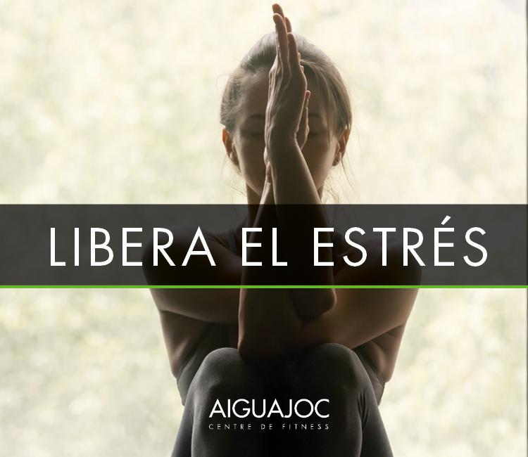 libera el estrés con yoga